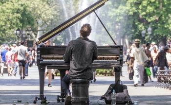 Lær å spille piano (pianokurs på nett!)